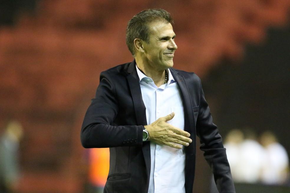 Milton Mendes, ex-técnico do São Bento  — Foto: Marlon Costa / Pernambuco Press
