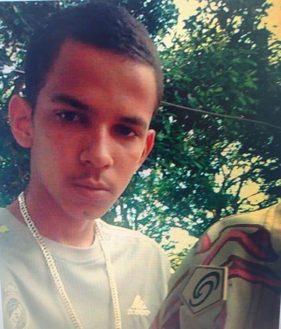 Foragido, Jean Lima da Silva, 21 anos, é suspeito de participar de ataque homofóbico em Brazlândia, no DF — Foto: PCDF/Divulgação