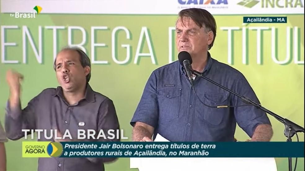 Presidente Jair Bolsonaro (sem partido) participa da entrega de títulos de terra em Açailândia (MA) — Foto: Reprodução/TV Brasil