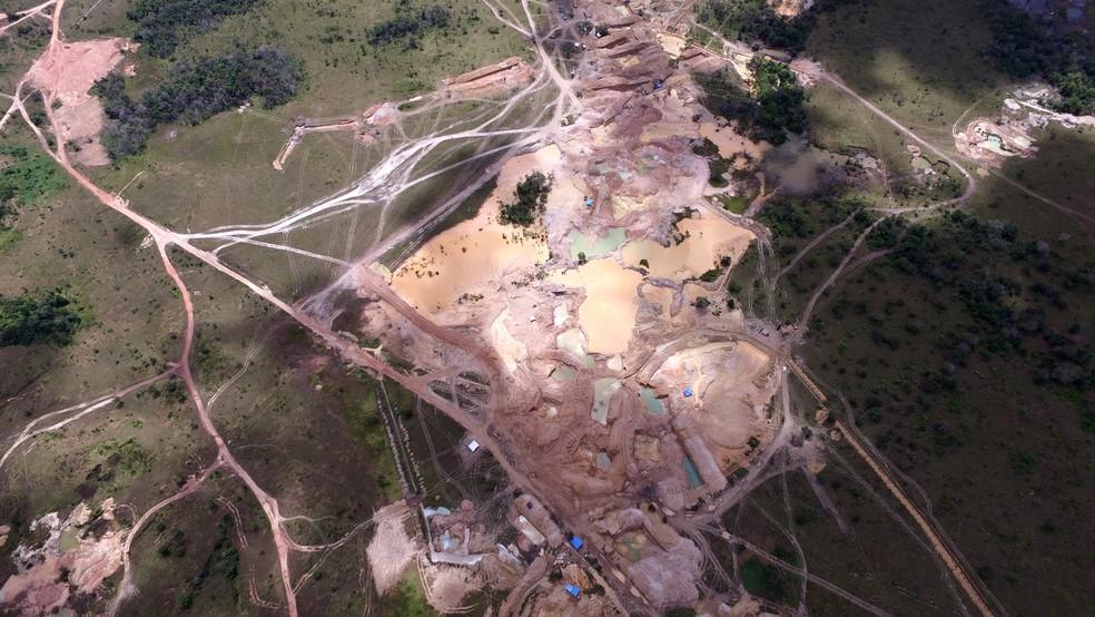 Garimpo ilegal em Tartarugalzinho (Foto: Divulgação/PF)