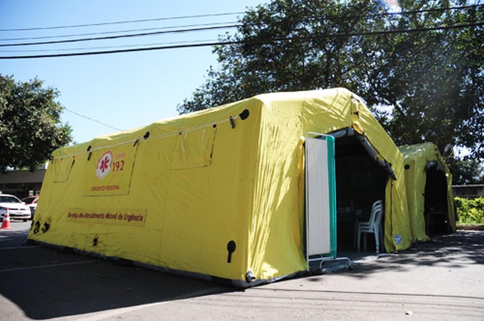 Estruturas foram montadas em 7 hospitais do DF para atender pacientes com suspeita de dengue — Foto: Breno Esaki/Saúde-DF
