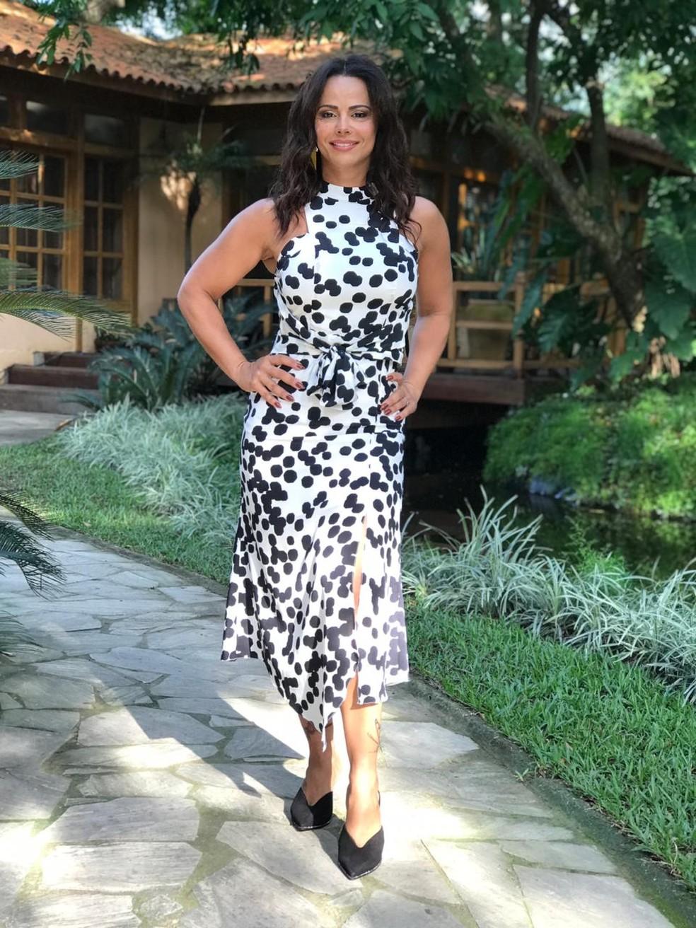 f000168b42e4 ... Viviane Araujo aposta em vestido estampado para sua participação no 'É  de Casa' —