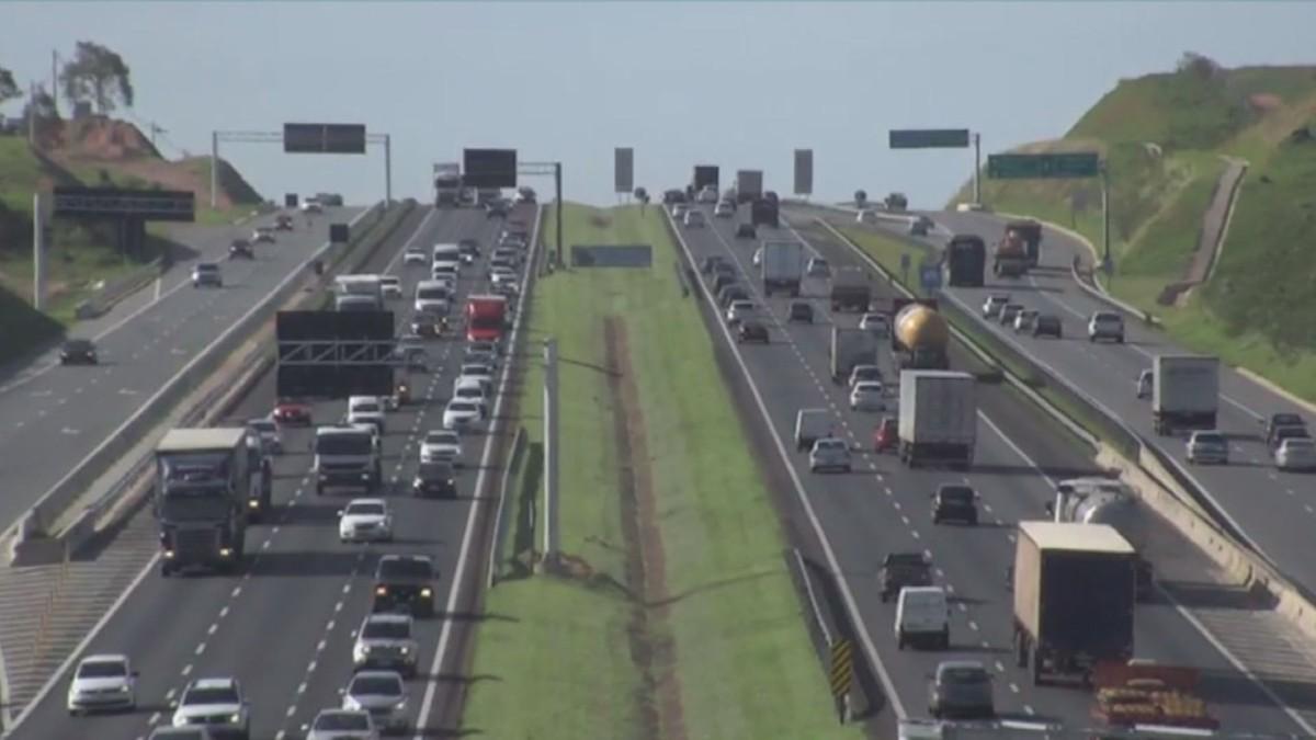 Saída para o feriado de Finados movimenta rodovias na região de Campinas