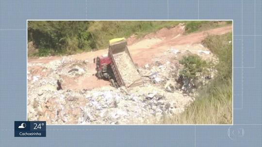 Caminhão é flagrado fazendo descarte de lixo em área ambiental