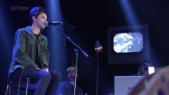 Kell Smith canta no 'Altas Horas'; veja apresentação inédita!