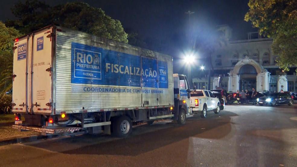 Seop interdita festa no Jockey — Foto: Reprodução/TV Globo