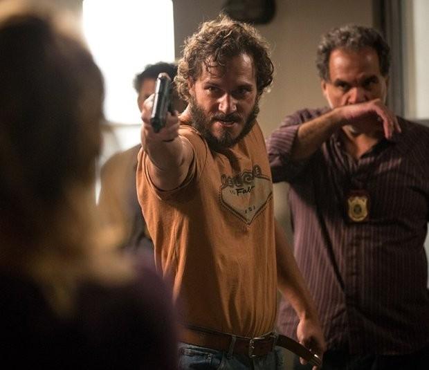 Paulo Rocha intepreta Dino em 'Totalmente demais' (Foto: TV Globo)