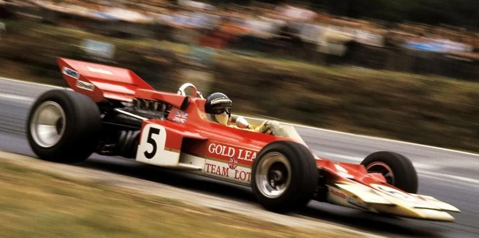 Jochen Rindt com a Lotus 72 no GP da Inglaterra de 1970 — Foto: Reprodução/rede social