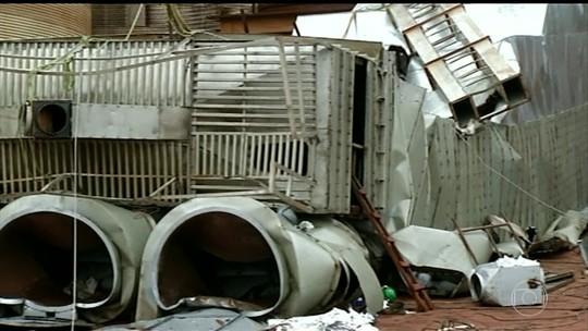 Irmão de um dos três trabalhadores mortos em queda de plataforma de armazém diz que ele deixa três filhos: 'Muito difícil'