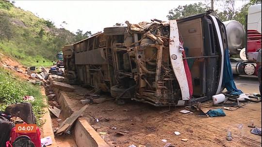 Acidente com ônibus na região de Igarapé (MG) deixa 15 feridos