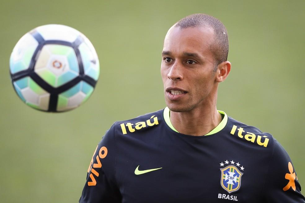 Miranda passará a ser o único brasileiro a disputar todos os jogos das eliminatórias ao entrar em campo na terça-feira (Foto: Pedro Martins/MoWA Press)