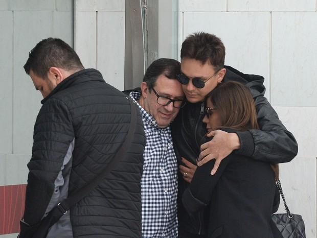 Família chora morte de Franco Scornavacca (Foto: Francisco Cepeda/AgNews)