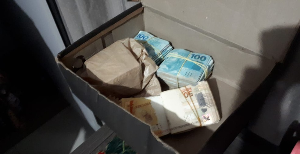 Dinheiro encontrado durante as buscas em Santa Catarina — Foto: Polícia Federal/ Divulgação