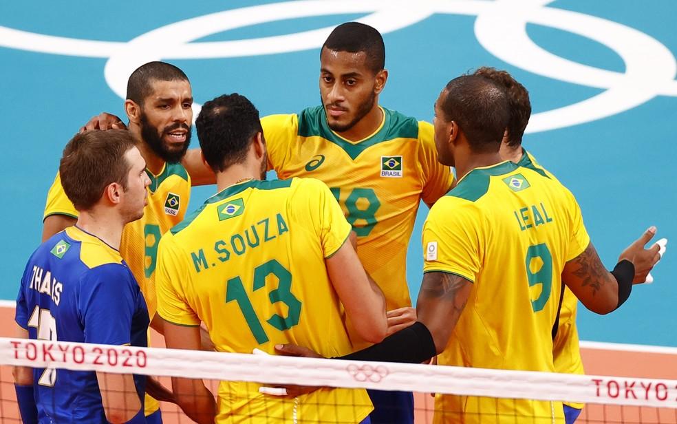 Brasil x ROC, na semifinal do vôlei masculino — Foto: REUTERS/Carlos Garcia Rawlins