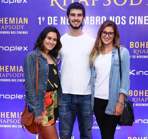 Beatriz Bonemer, Vinícius Bonemer e Thalita Martins (Foto: Roberto Filho/Brazil News)