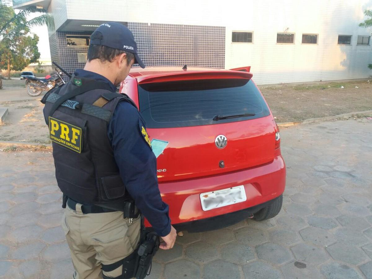 PRF apreende carro clonado e maconha em ação na zona Sul de Boa Vista