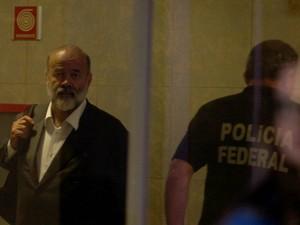 Tesoureiro do PT, João Vaccari Neto, na sede da Polícia Federal, em São Paulo (Foto: Agência Estado )