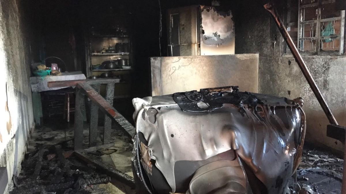 Após brigar com companheiro, mulher põe fogo na própria casa em MS, dizem bombeiros