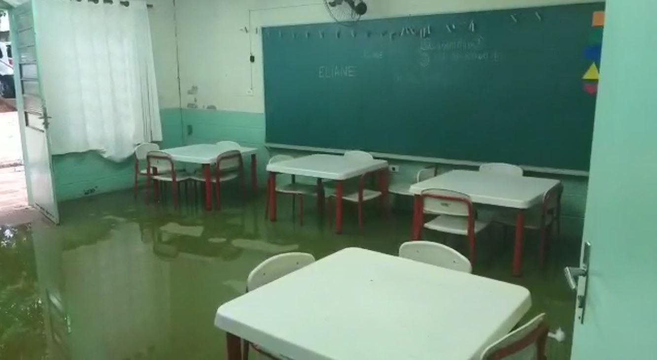 Escola de educação infantil de Hortolândia suspende aulas após unidade ser alagada