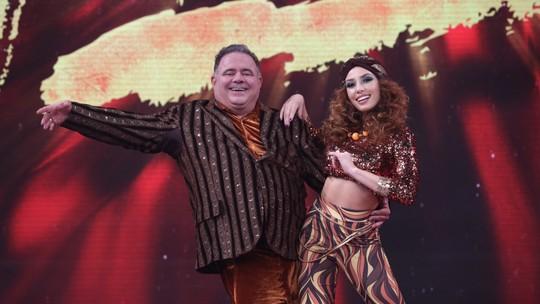 Faustão quebra protocolo e dá 10 para Leo Jaime no 'Dança dos Famosos'