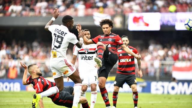 São Paulo x Flamengo Gonzalo Carneiro e Willian Arão