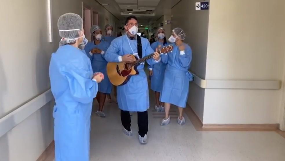 Equipe de profissionais do Hospital Rio Grande  — Foto: Reprodução
