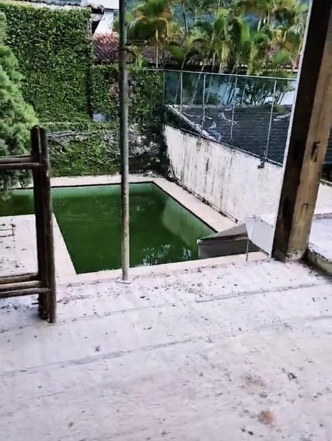 Ator mostrou a piscina da casa (Foto: Reprodução/Instagram)