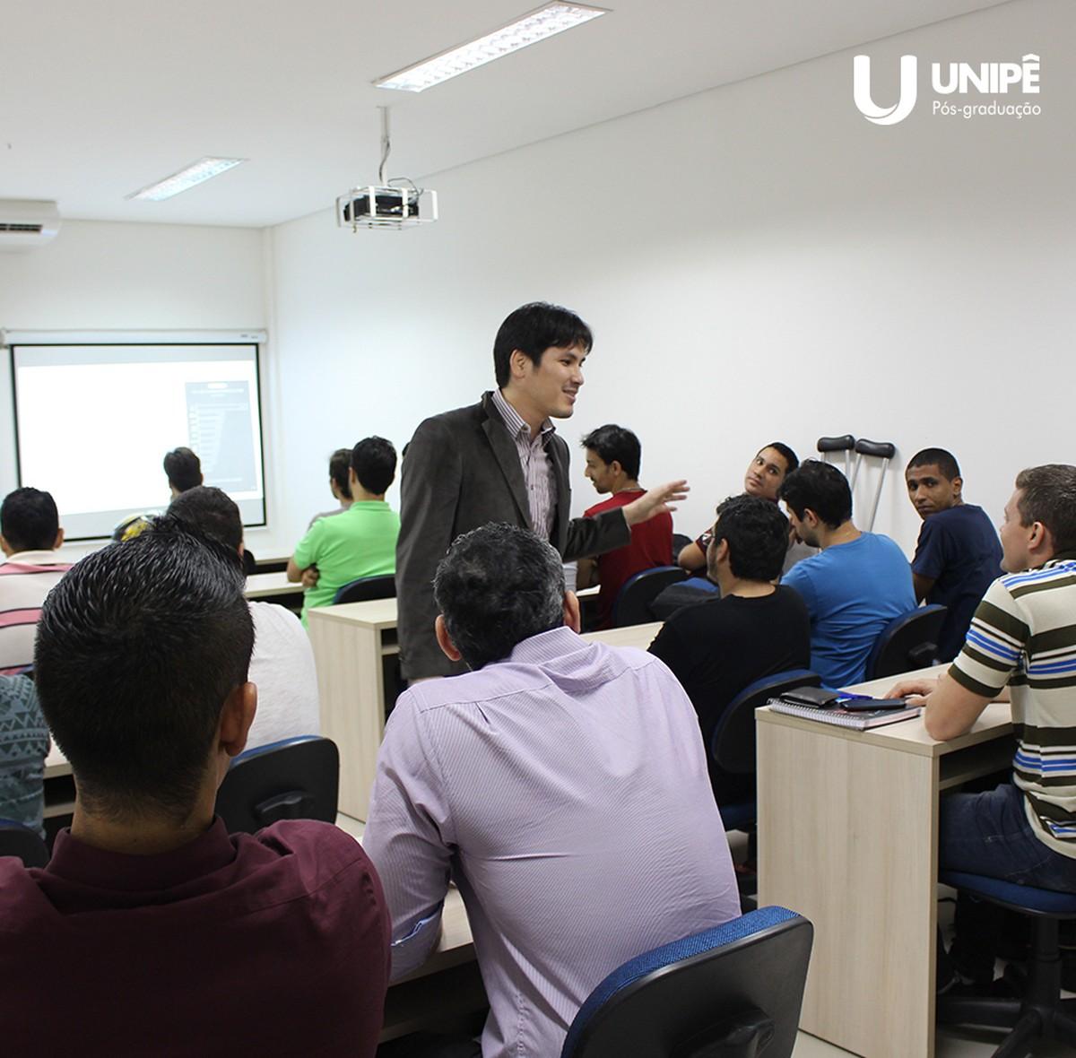 Faculdade abre seleção para professor de 12 cursos em João Pessoa, Paraíba