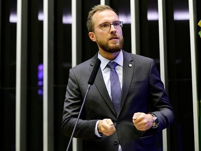 O deputado federal Vinícius Poit (NOVO-SP) relator da Comissão Especial da Mobilidade Urbana