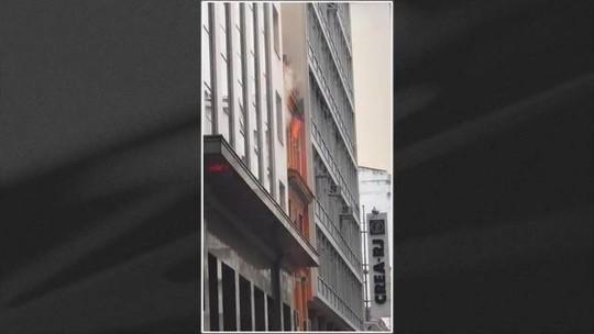 Três bombeiros morrem em incêndio em boate no Centro do Rio