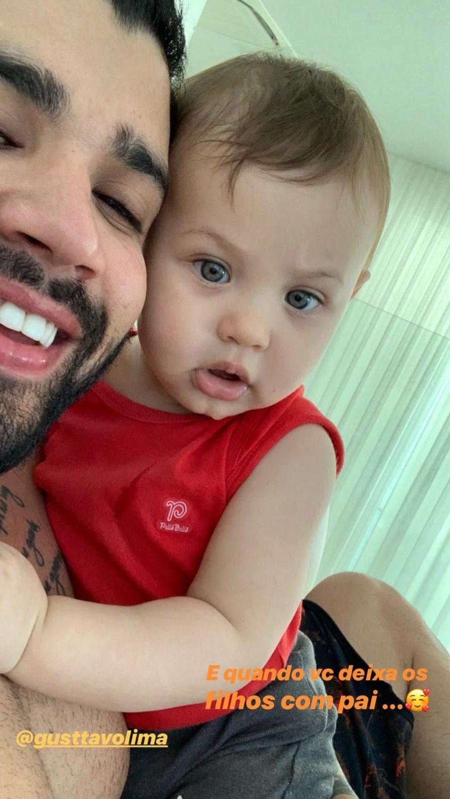 Gusttavo Lima e o caçula, Samuel (Foto: Reprodução/Instagram)