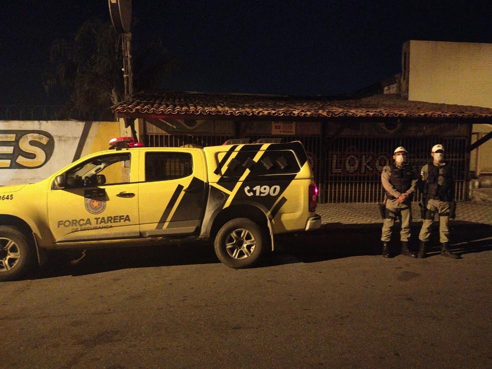 Polícia Militar de Alagoas recebeu mais de 100 denúncias de estabelecimentos que estavam descumprindo decreto de emergência para isolamento — Foto: Ascom/PM-AL
