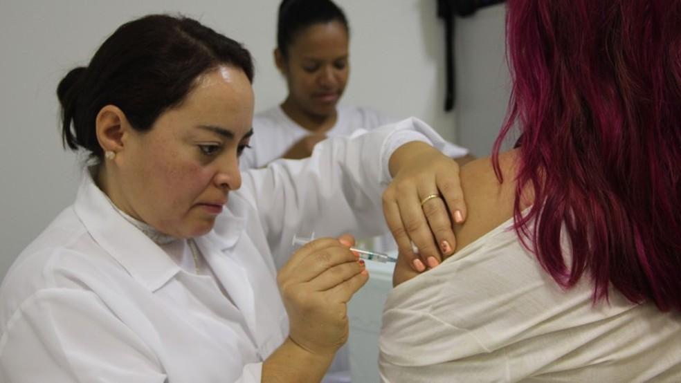 Vacinação em queda no Brasil acende 'sinal amarelo' em autoridades de saúde  (Foto: Divulgação/SES)