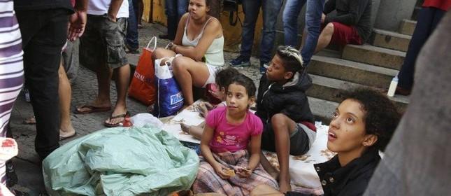 Famílias desabrigadas após o desabamento em SP