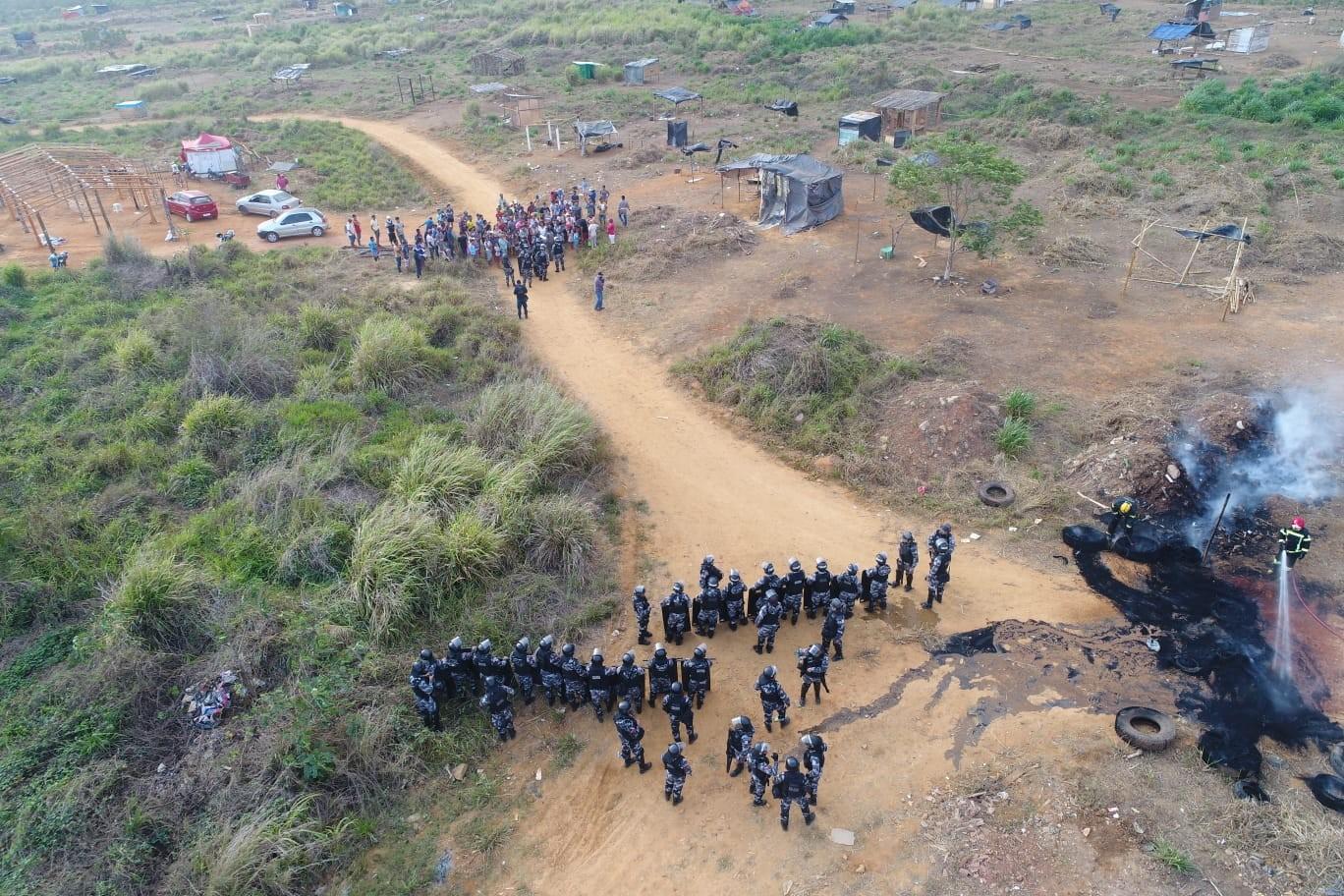 Operação policial retira 200 pessoas de área ocupada em Parauapebas, no PA