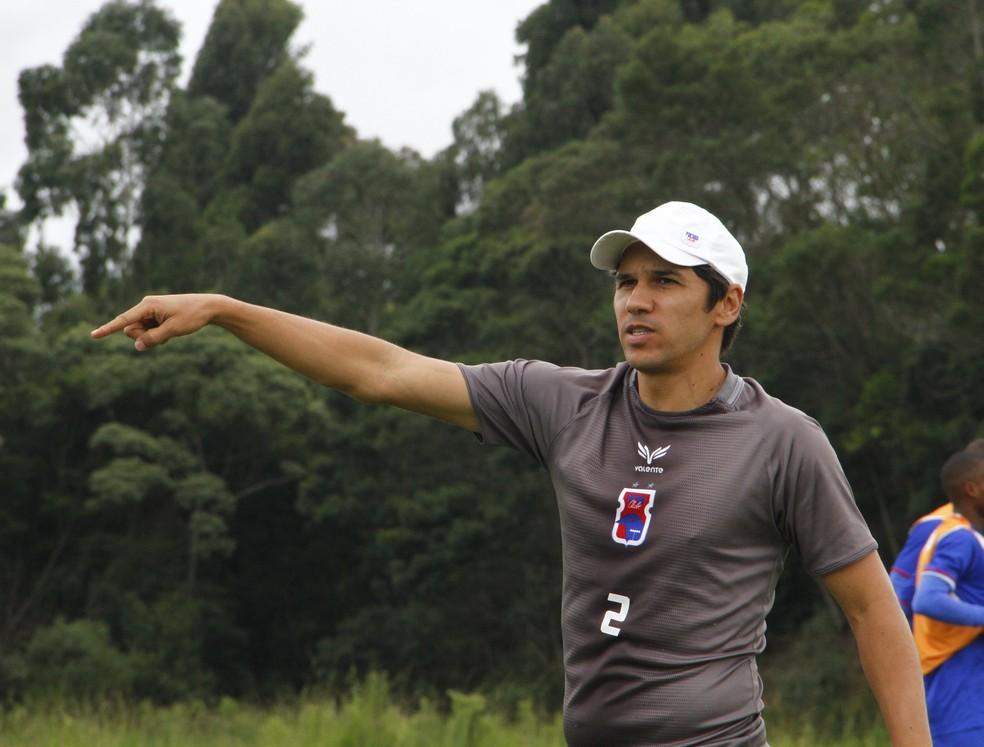 Lúcio deixou o Paraná para voltar ao Bota — Foto: Rodrigo Sanches/Paraná Clube