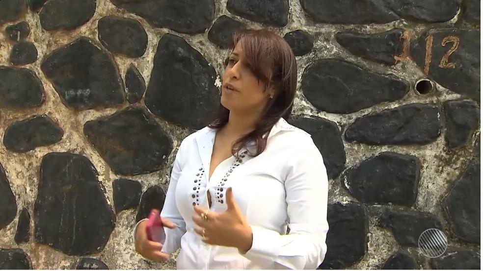 Nomeação da servidora foi feita pela prefeita Cláudia Silva Santos Oliveira, que ficou afastada por 5 meses por suspeita de fraude. (Foto: Reprodução/TV Bahia)