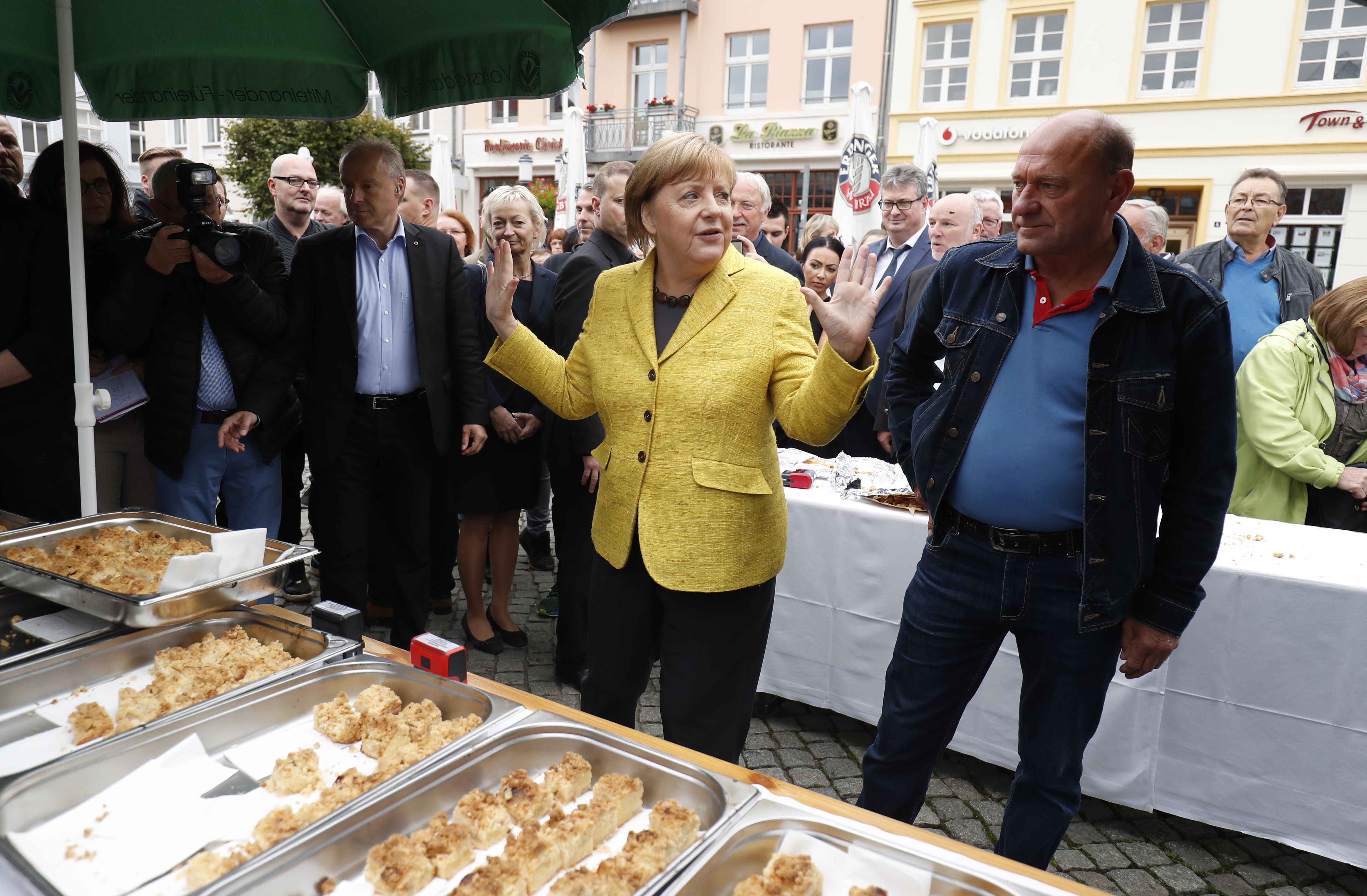 Schulz e Merkel fazem última aparição pública antes de eleições gerais na Alemanha