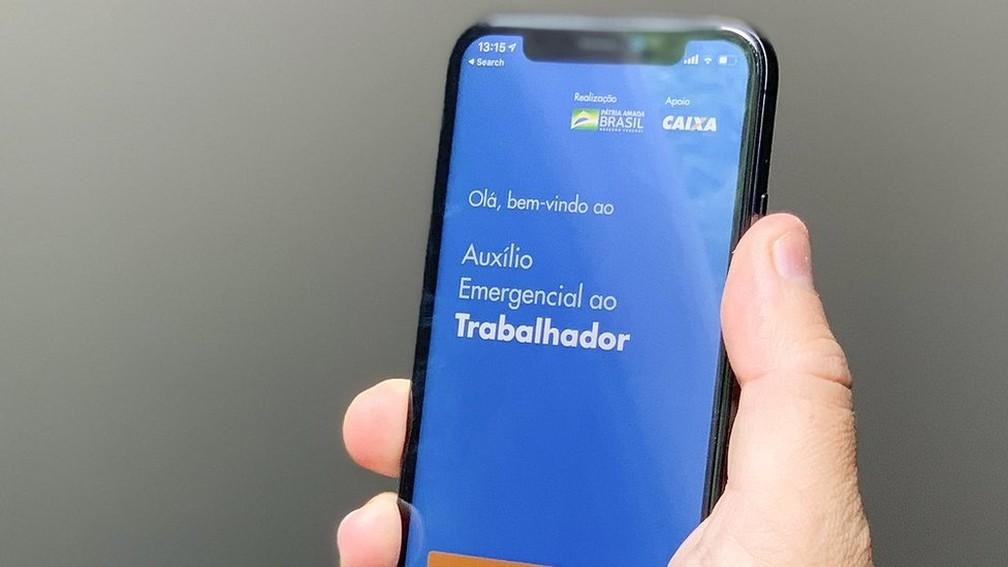 Auxílio emergencial começou a ser pago em abril de 2020 — Foto: LEONARDO SÁ/AG SENADO via BBC