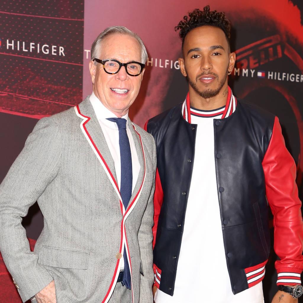 Lewis Hamilton e Tommy Hilfiger (Foto: Divulgação)
