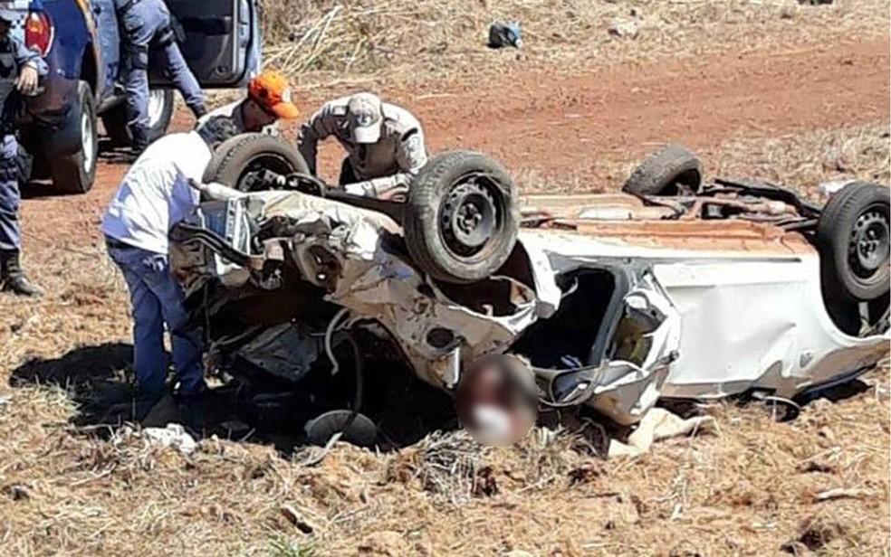 Acidente matou quatro pessoas da mesma família na MT-326, zona rural de Canarana (Foto: O Pioneiro)