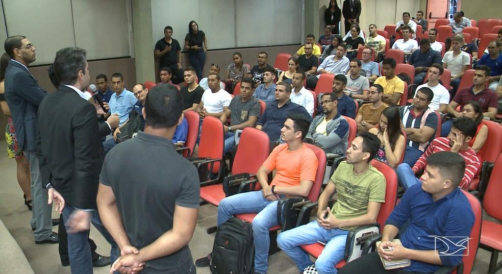 Audiência pública foi realizada na OAB-MA na tentativa de ajudar os concursados da PM que não foram nomeados no Maranhão — Foto: Reprodução/TV Mirante