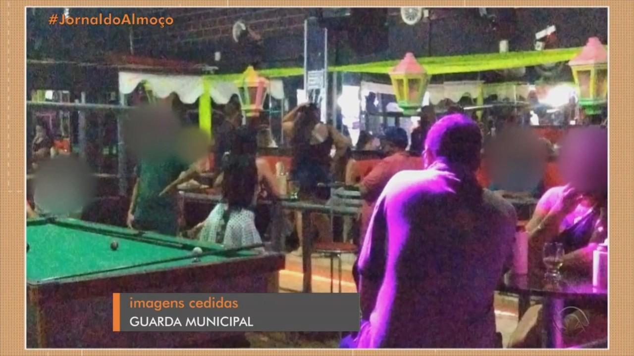 Casa noturna e posto de combustível são interditados em Porto Alegre