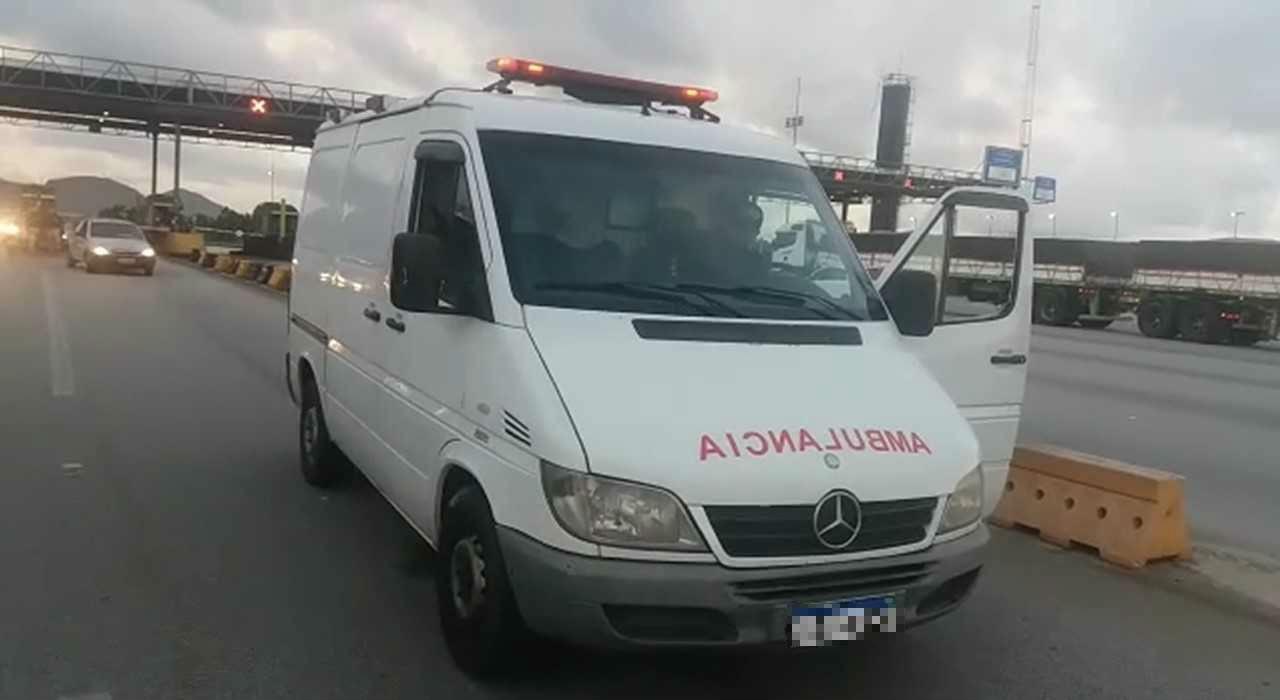 Ambulância utilizada para transporte de pescado é apreendida na Grande Florianópolis