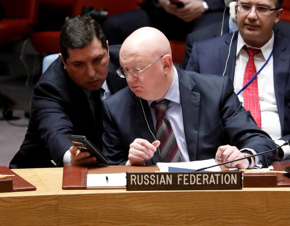 Vassily Nebenzia, embaixador russo na ONU; missão do país na organização teve membros expulsos pelos EUA (Foto: Shannon Stapleton/Reuters)