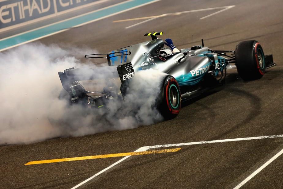 Bottas segura Hamilton e vence em Abu Dhabi. Massa se despede da F1 em 10º