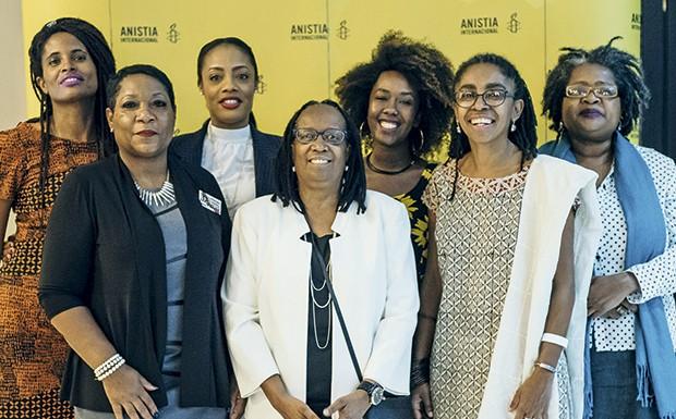 Djamila Ribeiro, Marion Gray-Hopkins, Shackelia Jackson, Sueli Carneiro, Ana Paula Lisboa, Jurema Werneck e Vilma Reis durante debate sobre mulheres negras e direitos humanos promovido pela Anistia em 2017 (Foto: Lucas Landau)