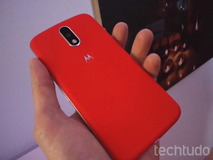 Moto G 4 Plus tem tela Full HD e leitor de impressões digitais (Foto: Fabrício Vitorino/TechTudo)
