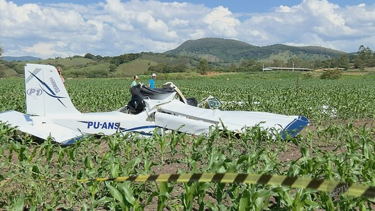 Peritos acreditam que aeronave perdeu potência antes de cair em Baependi, MG