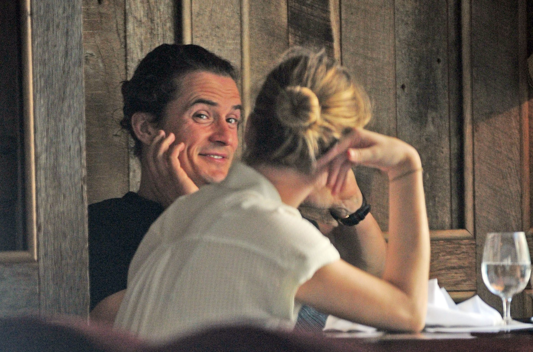 Laura Paine e Orlando Bloom (Foto: The Grosby Group)